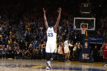 OAKLAND, CA - JANUARY 16: Draymond Green #23 of the Golden State Warriors celebrates against the Cleveland Cavaliers on January 16, 2017 at ORACLE Arena in Oakland, California. NOTE TO USER: User expressly acknowledges and agrees that, by downloading and or using this photograph, user is consenting to the terms and conditions of Getty Images License Agreement. Mandatory Copyright Notice: Copyright 2017 NBAE (Photo by Nathaniel S. Butler/NBAE via Getty Images)