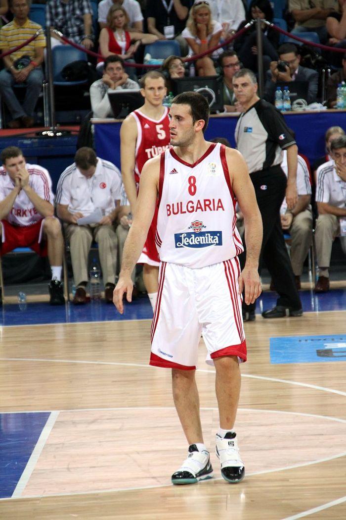 800px-filip_videnov_eurobasket_2009